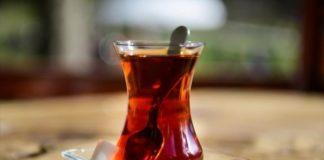 Μην καπνίζετε, πιείτε τσάι, προτρέπει ο T. Ερντογάν τους Τούρκους