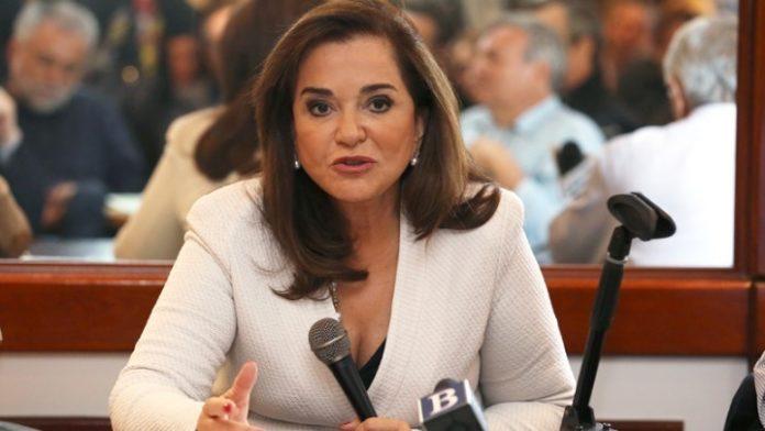 Τη σπεσιαλιτέ της μητέρας της σέρβιρε σε βουλευτές η Ντ. Μπακογιάννη