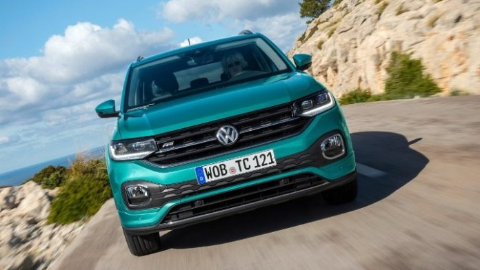Ο όμιλος Volkswagen αύξησε τα αποθέματα των αυτοκινήτων του στο Ηνωμένο Βασίλειο εν όψει Brexit