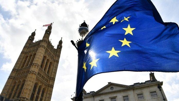 Οι 27 στηρίζουν μια νέα αναβολή του Brexit - Η διάρκειά της εξακολουθεί να βρίσκεται υπό συζήτηση