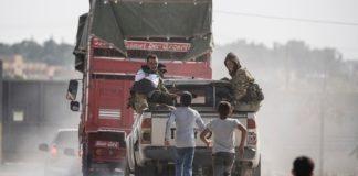 Οι Κούρδοι της Συρίας αποσύρονται μακριά από τα τουρκικά σύνορα