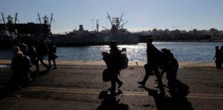 Σε δομές στην ενδοχώρα αναμένεται να μεταφερθούν από τη Σάμο 700 αιτούντες άσυλο