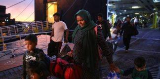 """Στον Πειραιά από τη Λέσβο το πλοίο """"Διαγόρας"""" με 156 αιτούντες άσυλο-"""