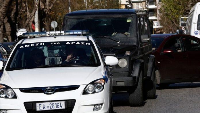 Τέσσερις συλλήψεις και κατασχέσεις ναρκωτικών και όπλων σε ειδικές αστυνομικές δράσεις στη Δυτική Αττική