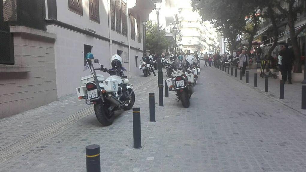 Εισβολή Ρουβίκωνα στο Τουρκικό Προξενείο (vd, pics)
