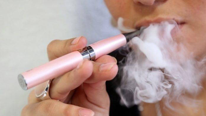 Τα ηλεκτρονικά τσιγάρα ενδέχεται να ενέχουν κινδύνους για το καρδιαγγειακό σύστημα