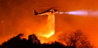 Εκκενώνουν περιοχές στη Σάντα Μπάρμπαρα που απειλούνται από πυρκαγιά