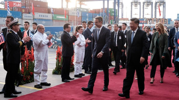 Επίσκεψη του Κ. Μητσοτάκη και του Προέδρου της Κίνας Σι στις εγκαταστάσεις της Cosco στον Πειραιά