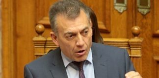 Γ. Βρούτσης: Δεν υπάρχει κανένας σχεδιασμός για πώληση ληξιπρόθεσμων ασφαλιστικών οφειλών σε funds