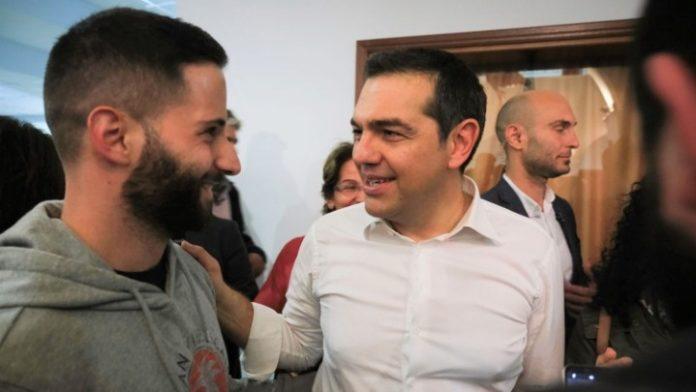 Για ποτό με νέους της πόλης ο Αλ. Τσίπρας χτες το βράδυ στην Κοζάνη