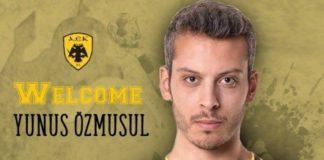 Η ΑΕΚ έλυσε τη συνεργασία της με τον Γιουνούς Οζμουσούλ λόγω του στρατιωτικού χαιρετισμού
