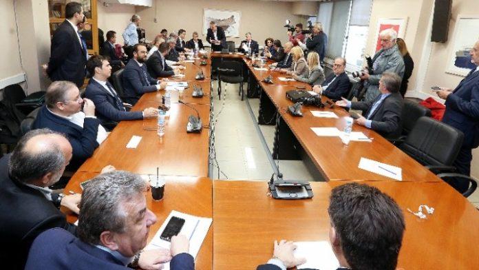 Η επιτάχυνση των περιφερειακών προγραμμάτων του ΕΣΠΑ στο επίκεντρο της συνάντησης του πρωθυπουργού με τους 13 περιφερειάρχες