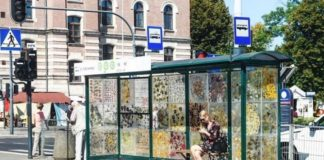 Η στάση τραμ που έγινε μουσείο λουλουδιών
