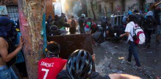 Νέες διαδηλώσεις στη Χιλή, ενώ η κυβέρνηση ετοιμάζει την πρότασή της για την αναθεώρηση του Συντάγματος