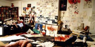 Ο εικαστικός του «The Wall» πωλεί το Pink Floyd αρχείο του