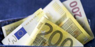 Στα 1.170,73 ευρώ και στα 404,50 ευρώ οι μέσοι μισθοί πλήρους και μερικής απασχόλησης, τον Απρίλιο