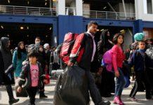 Στο λιμάνι του Πειραιά με το «Διαγόρας» 347 μετανάστες και πρόσφυγες από Λέσβο και Χίο