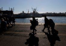 Στο λιμάνι του Πειραιά το «Διαγόρας» με 367 μετανάστες και πρόσφυγες από τη Λέσβο