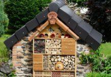 «Ξενοδοχεία μελισσών» από προσκοπίνες