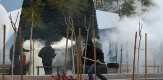 Επεισόδια με μολότοφ και χημικά στο Μαρούσι (vd)