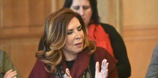 Ντενίση: Μπορεί να πάω για δήμαρχος και για ευρωβουλευτής (vd)