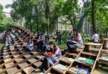 Ένας «βιβλιοσκώληκας» στην Ινδία: ενδυνάμωση μέσω εκπαίδευσης