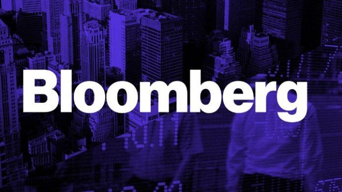 Bloomberg: Το σχέδιο «Ηρακλής» θα βοηθήσει τις τράπεζες