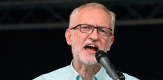 Βρετανία: Ο Κόρμπιν εξαπολύει επίθεση με αφορμή το Brexit ενόψει του τελευταίου ντιμπέιτ με τον Τζόνσον