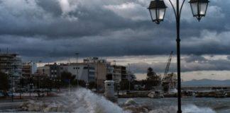 Έως τις 10 το πρωί το απαγορευτικό απόπλου από το λιμάνι του Πειραιά