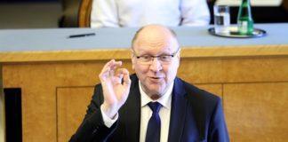 Η πρόεδρος της Εσθονίας ζητά συγγνώμη μετά τα σχόλια του υπ. Εσωτερικών που αποκάλεσε «πωλήτρια» τη νέα πρωθυπουργό της Φινλανδίας