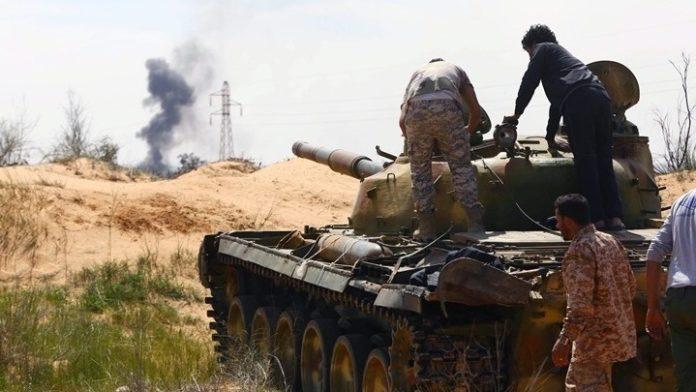 Λιβύη: Ο στρατάρχης Χάφταρ καλεί τις δυνάμεις του να προωθηθούν στην Τρίπολη