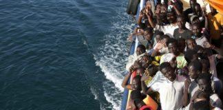 Μεγάλη πτώση του αριθμού μεταναστών που έφθασαν στην Ιταλία από τη θάλασσα