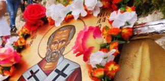 Ο Άγιος Νικόλαος, το κουπί στην πλάτη του και η αγάπη για τη θάλασσα
