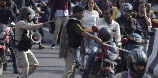 Ο ΟΗΕ ανησυχεί ότι ο νέος νόμος για παροχή υπηκοότητας προάγει τις διακρίσεις - Συγκρούσεις ξέσπασαν σε ισλαμικό πανεπιστήμιο στο Νέο Δελχί