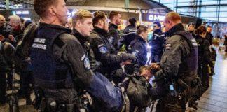 Ολλανδία: Η αστυνομία συνέλαβε ακτιβιστές υπέρ του κλίματος