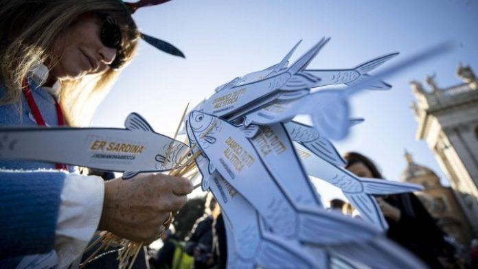 Ρώμη: Νέα μαζική διαδήλωση του «κινήματος της σαρδέλας»