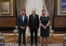 Σχοινάς-Γιόχανσον: Η ΕΕ προσηλωμένη στην εφαρμογή της συμφωνίας με την Τουρκία