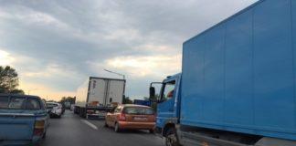 Συνθήκες κυκλοφοριακής συμφόρησης εξαιτίας πολλαπλής καραμπόλας στην Περιφερειακή Οδό