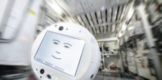 Το αιωρούμενο σφαιρικό ρομπότ CIMON επιστρέφει στον Διεθνή Διαστημικό Σταθμό