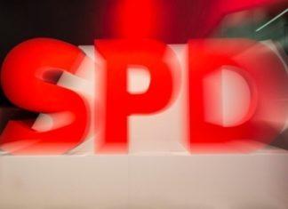 Υπέρ της παραμονής του στον κυβερνητικό συνασπισμό το SPD