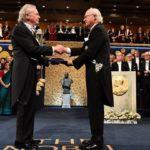 Υπό τη σκιά διαδηλώσεων, ο Πέτερ Χάντκε παρέλαβε το Βραβείο Νόμπελ Λογοτεχνίας