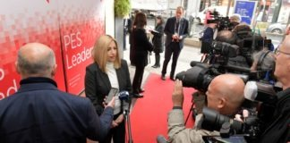 Ο μόνος πρωθυπουργός που φωτογραφήθηκε η Φ. Γεννηματά στις Βρυξέλλες