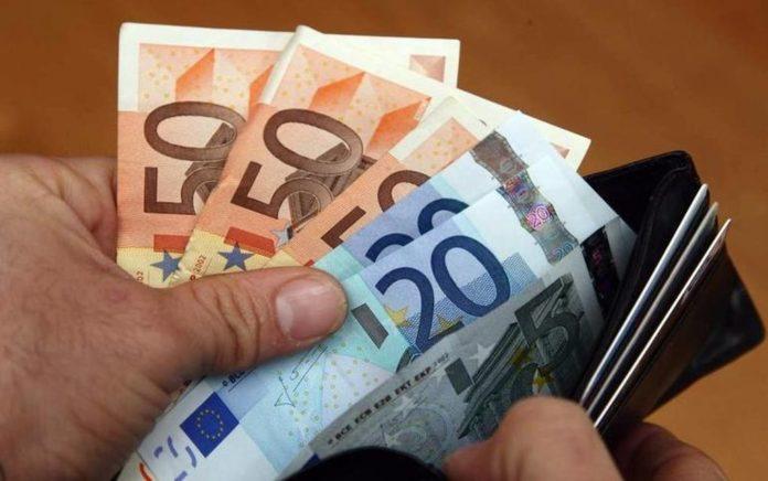 Αποζημίωση ειδικού σκοπού: Κατηγορίες για τη δήλωση των 800 ευρώ