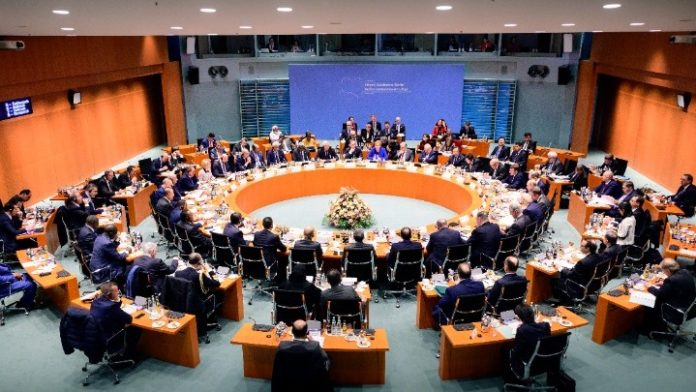 Διάσκεψη του Βερολίνου: Κατάπαυση του πυρός και εμπάργκο όπλων