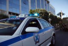 Επεισόδια στο ΟΑΚΑ - Οπαδοί πυρπόλησαν με μολότοφ περιπολικό της αστυνομίας