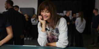 Φωτογραφίες της Έλενα Κρίστενσεν με λουλούδια στη νέα συλλογή του H&M