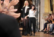H Bouchra Jarrar επέστρεψε στην Εβδομάδα Μόδας στο Παρίσι με επίδειξη στο διαμέρισμά της