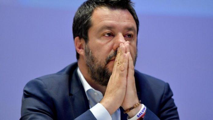 Η αρμόδια επιτροπή της γερουσίας εκφράσθηκε υπέρ της παραπομπής σε δίκη του Ματέο Σαλβίνι