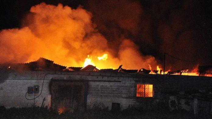 Ισπανία: Έκρηξη και πυρκαγιά σε πετροχημικό συγκρότημα