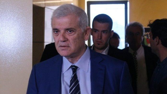 Μελισσανίδης σε Λάκοβιτς: «Εσείς φέρνετε παπά και τραβάει κλήρο;»